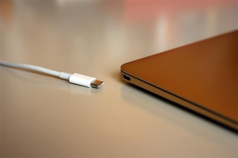 ShunXinda -News About Cable Faceoff: Usb-c Vs Lightning Vs Thunderbolt 3-1